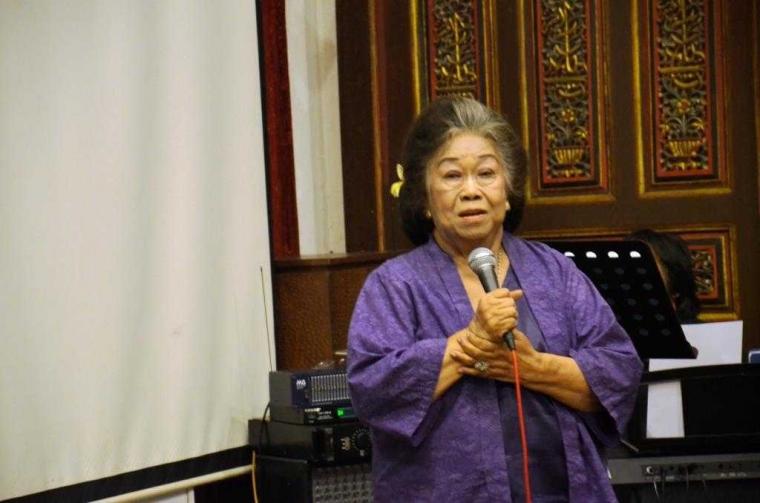 Spektrum Budaya, Tulisan Perayaan 84 Tahun Prof. Toeti Heraty