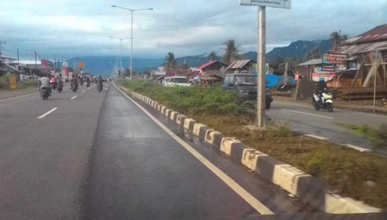 Jadi Tempat Parkir Ratusan Truk, Taman Bypass Padang Belum Tergarap Maksimal