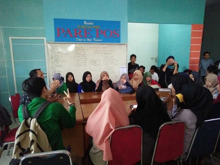 Mahasiswa STAIN Parepare Kunjungan Media Cetak Parepos