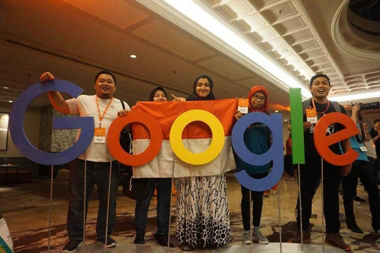 ''Creative People Goes to Google Local Guides Summit 2017''