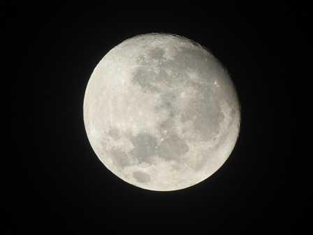 """Menikmati """"Full Moon"""" di Malam Tahun Baru"""