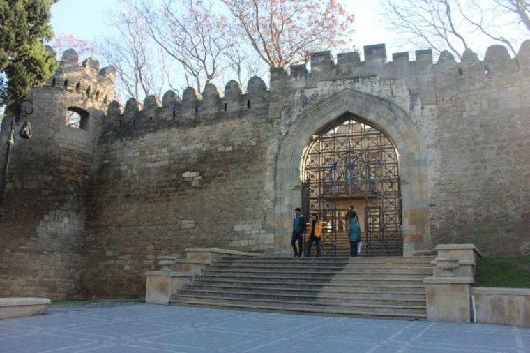 Bersama Geliga Krim Berkelana di Kota Tua Icheriseher di Baku