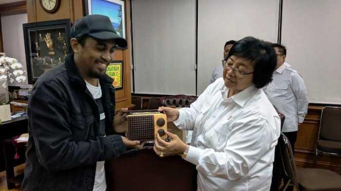 Kolaborasi Glenn Fredly dan Menteri LHK Jaga Hutan Indonesia
