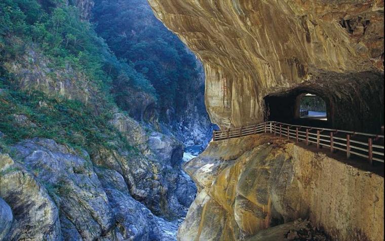 Menjelajahi Pesona Alam Taroko Gorge di Taiwan