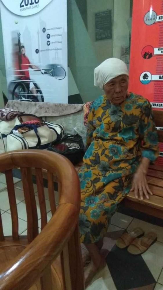 Lupa Anaknya Kena Gusuran, Nene Mintarsih Terlantar di Ibukota