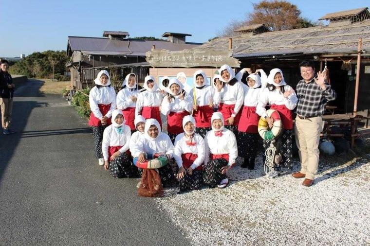 Mengunjungi Perkampungan Ama-san di Hachiman