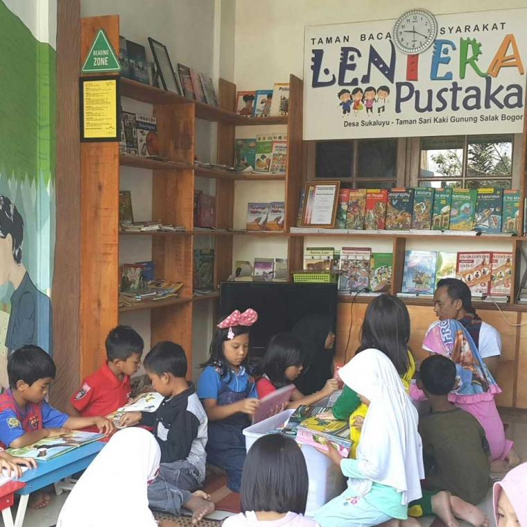 Aktivitas Membaca Anak, Menghargai Tanpa Perlu Dihargai