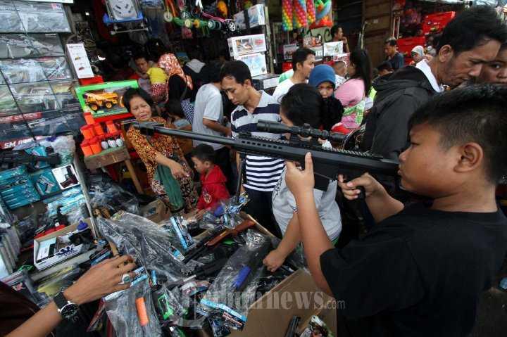 """Pasar Gembrong yang Sukses """"Digeser"""""""