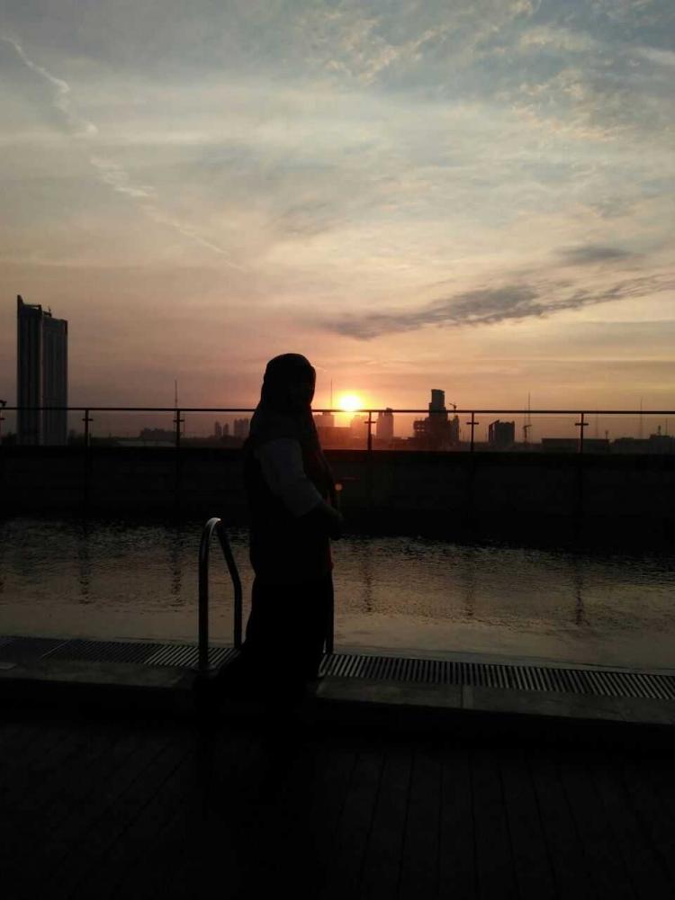 """Menikmati """"Sunset"""" ala Fairfield Hotel Surabaya"""