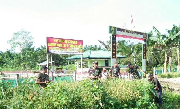 Sukseskan Ketahanan Pangan, Satgas Yonif 410/Alg Bantu Petani Perbatasan