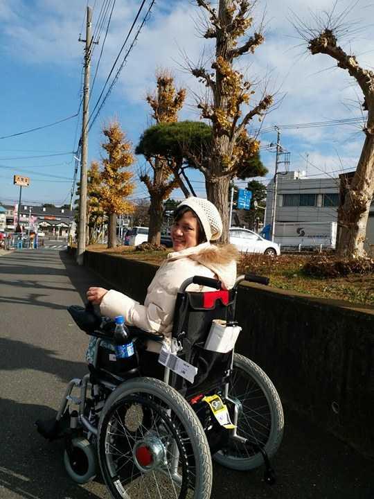 """Sendirian, Keliling Tokyo Hanya dengan Kursi Roda """"Ajaibku"""""""