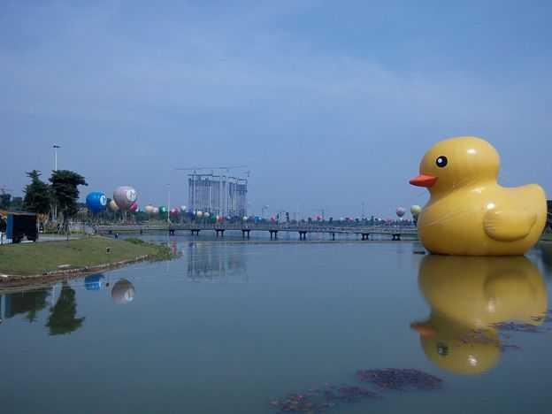 """[Cerpen] Misteri """"Giant Yellow Duck"""""""