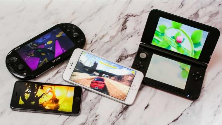 """Main Game Lebih Enak di """"Smartphone"""" atau Konsol Genggam?"""