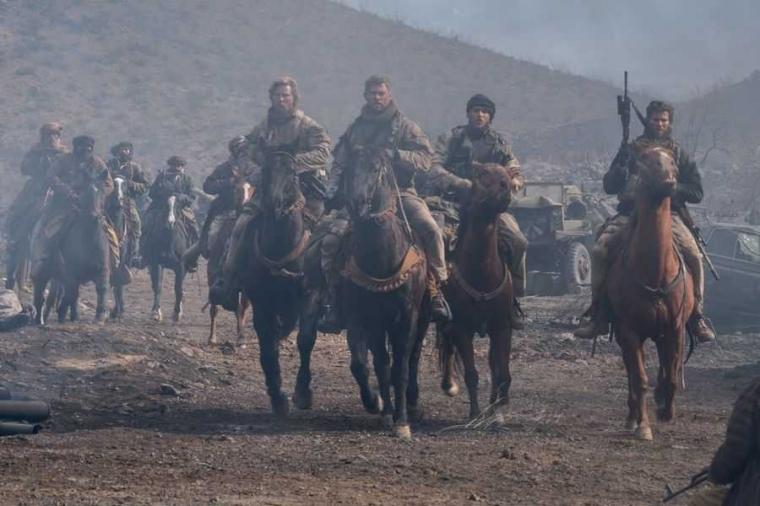 """Film """"12 Strong"""", Satu Lagi Kisah Perang Afghanistan Setelah """"9/11"""""""