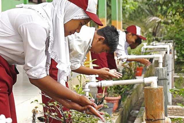 Membangun Karakter Anak Bangsa Melalui Program Sanitasi