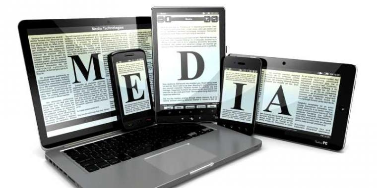 """""""Digital Media Vs Analog Media"""""""