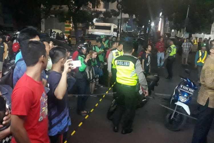Hanya Merekam Alih-alih Membantu, Sudah Matikah Kepedulian Orang Indonesia?