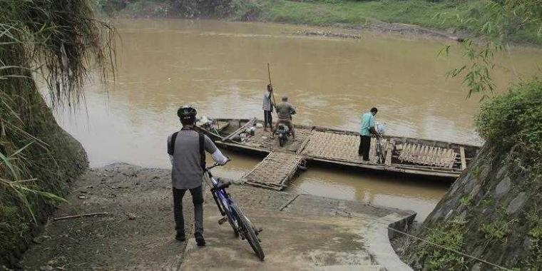 Menumpang Kapal dan Gowes Sepeda, Cara Mudah dan Murah Keliling Indonesia
