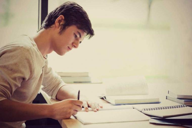 """12 Tahun Belajar, tapi Masih Tidak Bisa """"Ngomong"""" dalam Bahasa Inggris"""