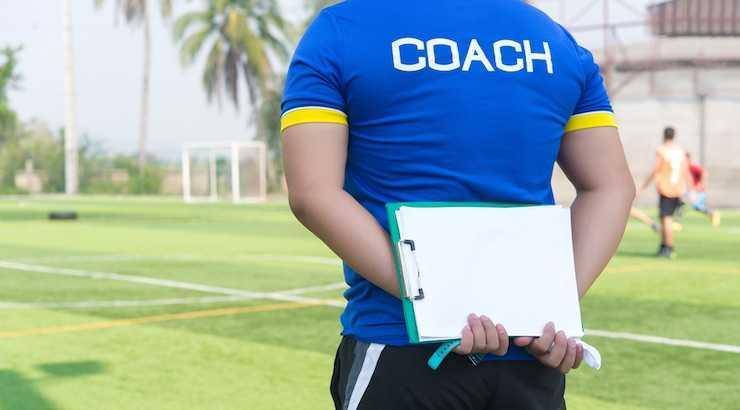 Menuntut Intervensi Terhadap Pelatih