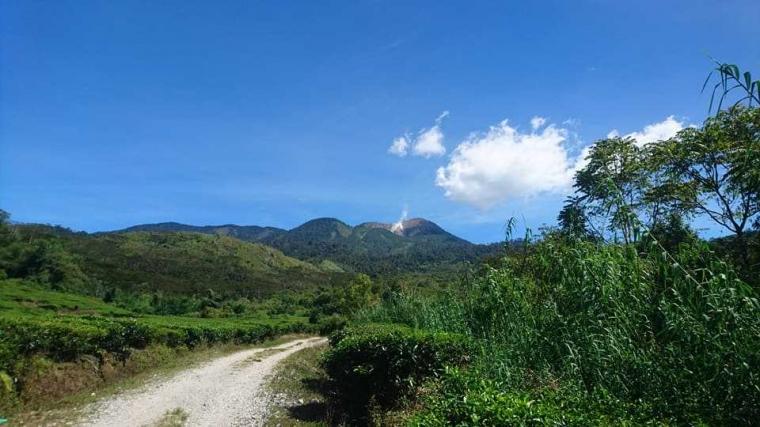 Menikmati Keindahan Gunung Talang dari Tiga Tempat Favorit Ini