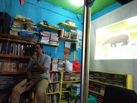 Ngobrolin Badak Kalimantan di Pasar Kelandasan, Balikpapan
