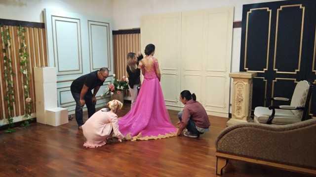Memilih Kebaya Pernikahan