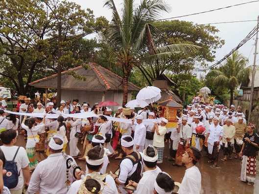 Tidak Perlu ke Bali untuk Lihat Upacara Melasti