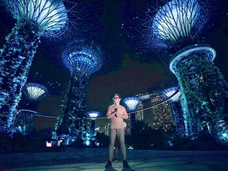 """Ren Tobing Puas Garap Video Klip """"Tengah Malam"""" di Singapura"""