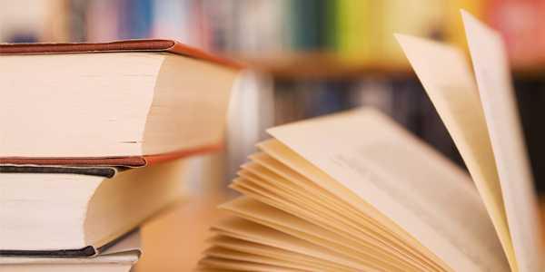 Di Rumah, Sebaiknya Koleksi Buku Apa?