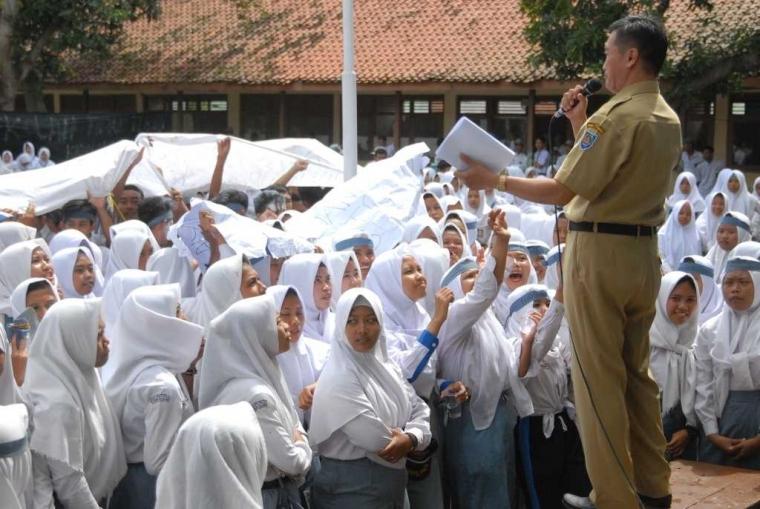 Ratusan Siswa SMK di Tegal Mogok Sekolah