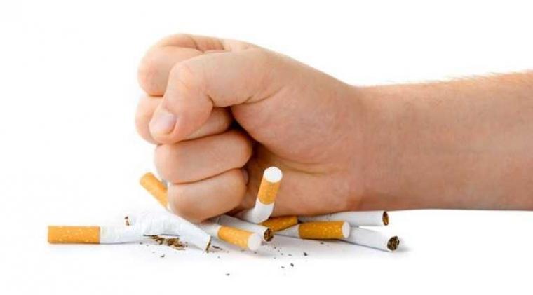 Lima Cara Menghapus Racun Rokok di Paru-paru