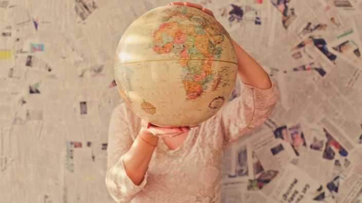 Puisi | Andai Dunia Berhenti Sedetik Saja