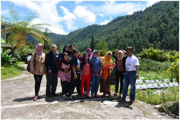 Keseruan Liburan Bersama Keluarga Besar di Tawangmangu