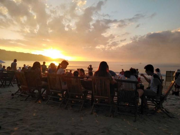 "Berwisata ke Bali Bersama ""Mamadonny Cafe"" Jimbaran"