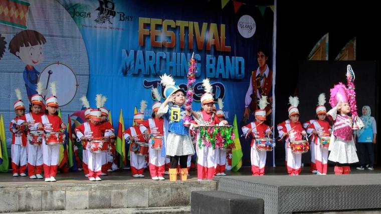 "Meriah, Festival ""Marching Band"" di Jogja Bay"