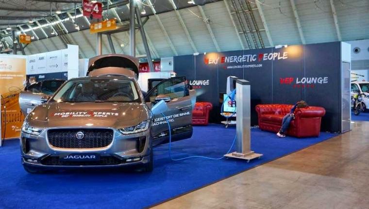 Rintangan Mobil Listrik di Jerman dan Indonesia