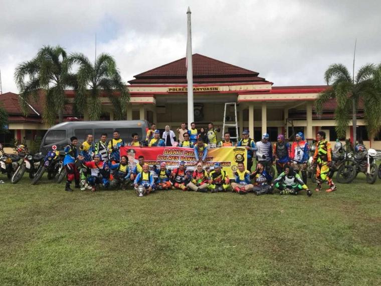 Polres Banyuasin dan Komunitas Trail Banyuasin Ciptakan Pilkada Damai Dalam Giat Adventure dan Bakti Sosial