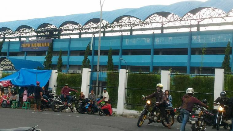 Suatu Sore di Sekitar Stadion Maguwoharjo