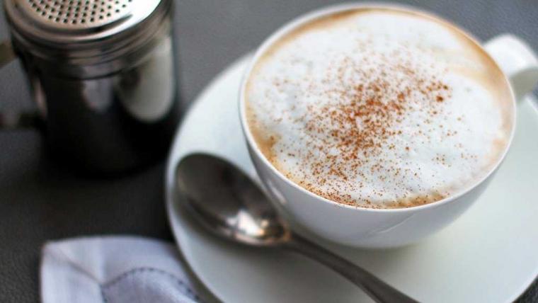 "Cappuccino, Kopi ""Foamy"" Nan Nikmat"
