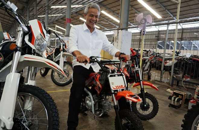 Ganjar Pranowo Terkini Uji Coba Motor Trail Buatan Indonesia