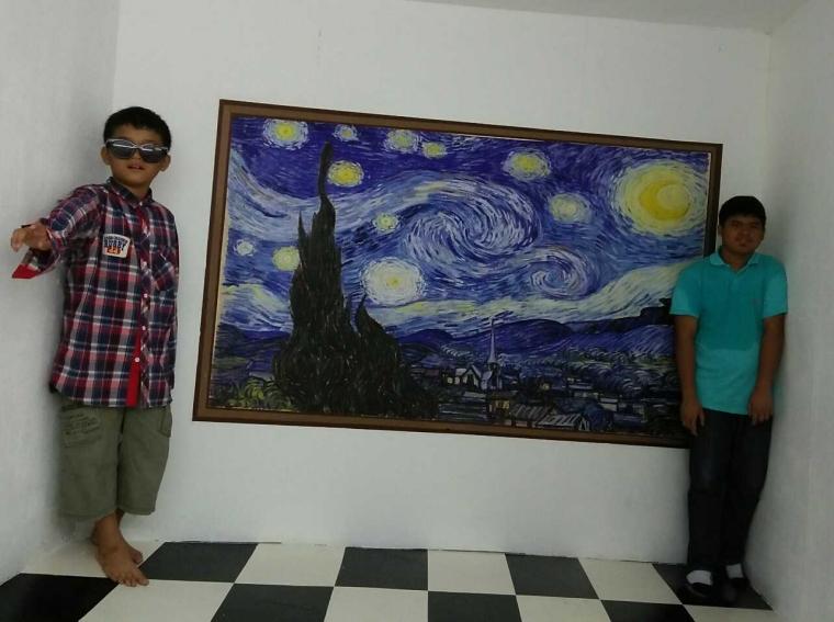 """Memahami """"Point of View"""" Opini Penulis di """"3D Trick Museum Penang"""""""