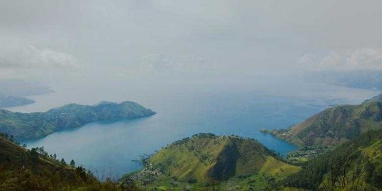 """Lokasi Wisata Danau Toba (Belum) Siap """"Go International"""""""