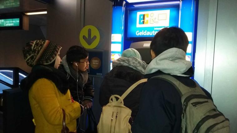 Status Perjalanan (17), Untung Ada ATM di Hamburg HBF
