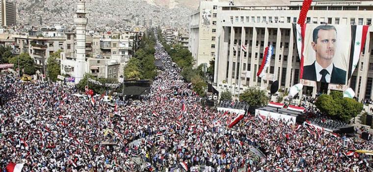 Rakyat Suriah Turun ke Jalan Membela Assad