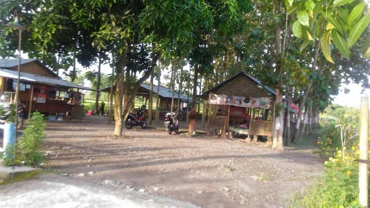 Warung Kebon Kalasan, Nikmatnya Kuliner di Bawah Pohon Jati