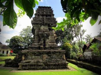 Arkeologi: Candi Kidal di Malang