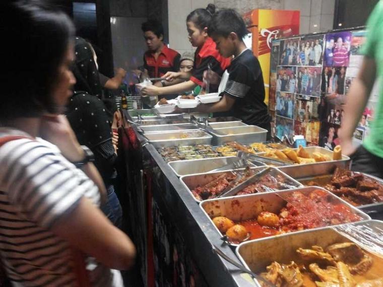 Mencicipi Nasi Kalong di Bandung