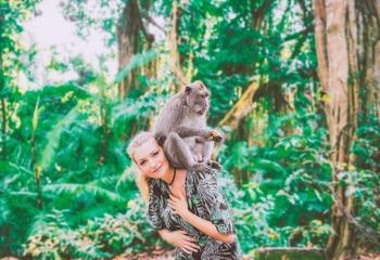Nuansa Spiritual Di Monkey Forest Ubud Halaman All