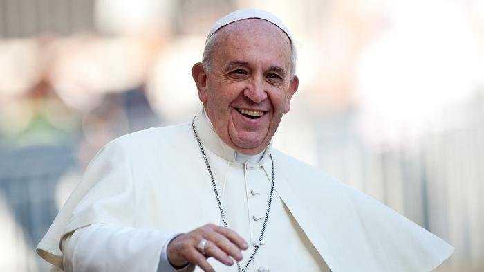 Paus Fransiskus Bicara tentang Berita Palsu